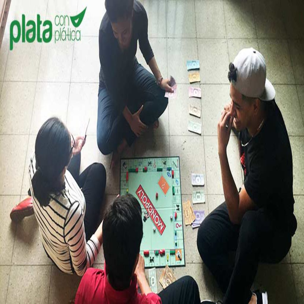 Monopoly | Plata con Plática