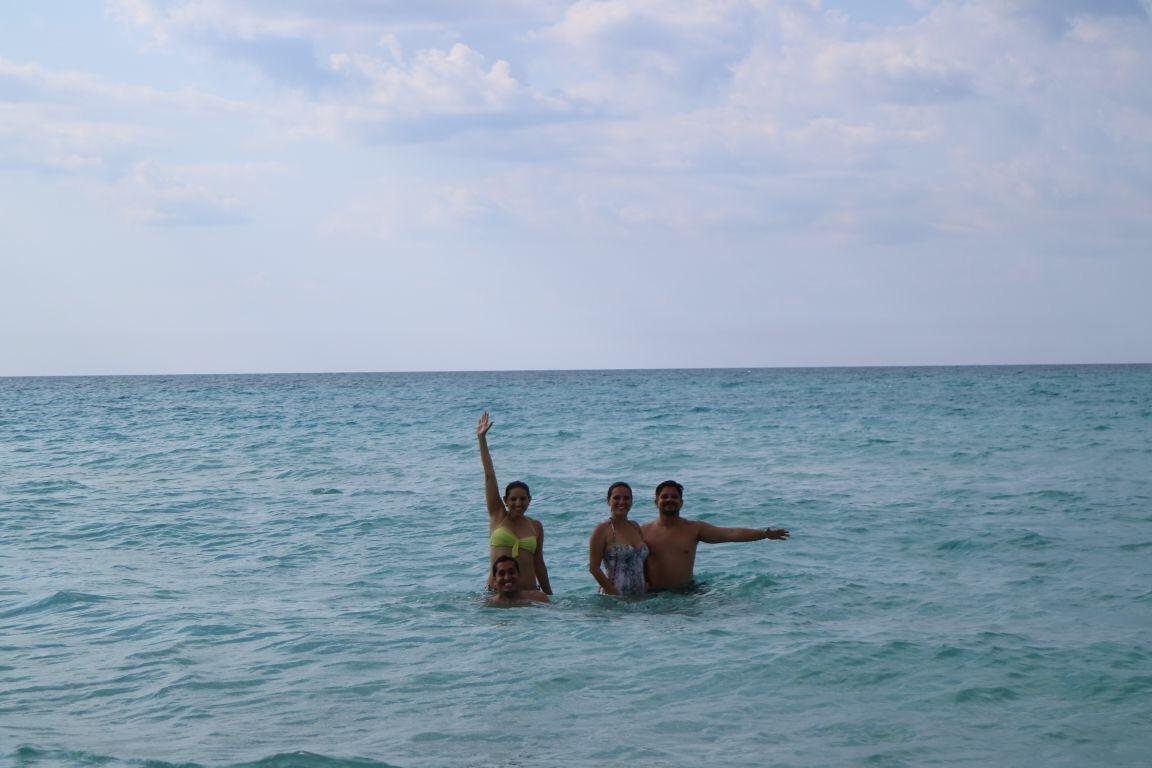 Tres divinas horas en Varadero. La playa es una piscina.