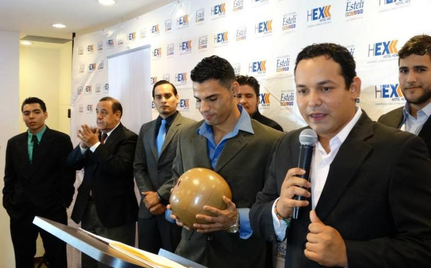 Emprendedor exitoso 7: Camilo Velásquez y FutbolNica