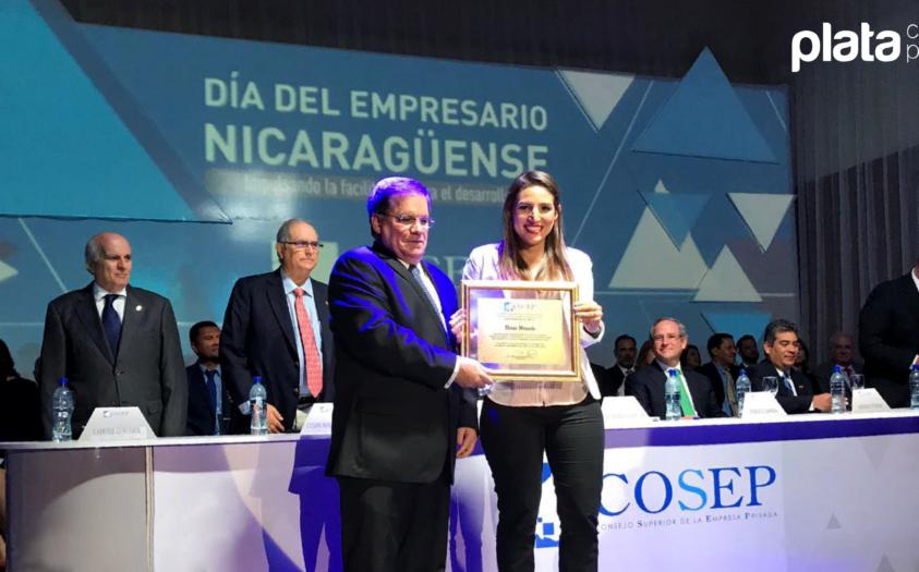¡Gané el premio Joven Empresaria del año!